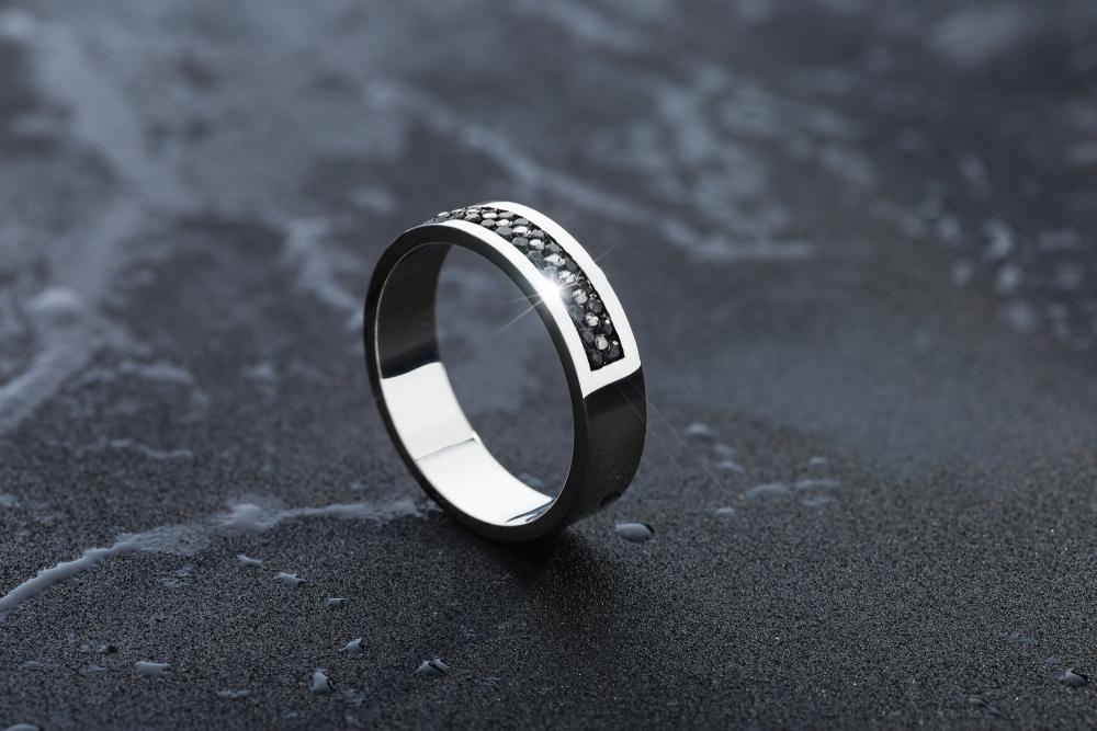 The Upward Trend of Men's Jewelry