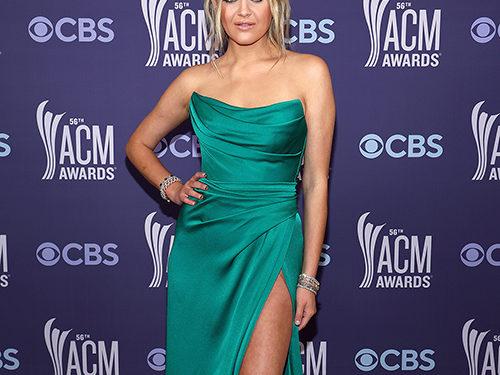 Stars Kept Things Simple Yet Stunning at the Country Music Awards 2021